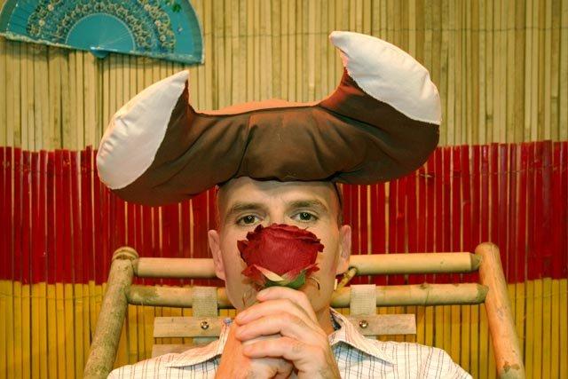 Ferdinand der Stier, Theater Tom Teuer