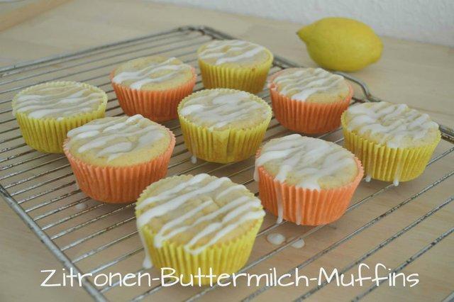 Sommerliche Zitronen-Buttermilch-Muffins