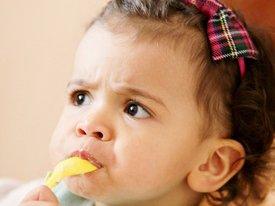 Kinderohren auch im Sommer vor Entzündungen schützen