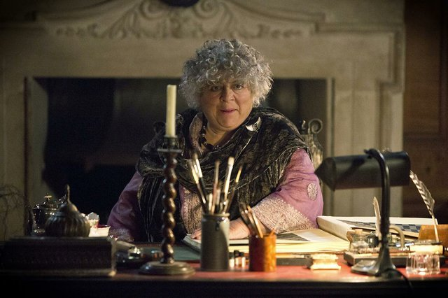 The Legend Of Longwood_5_Lady Thyrza(Miriam Margolyes) Copyright Kinostar.JPG