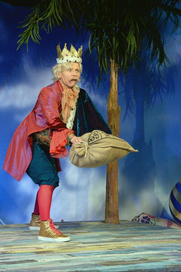 Ein König zu viel, Schauspiel Essen