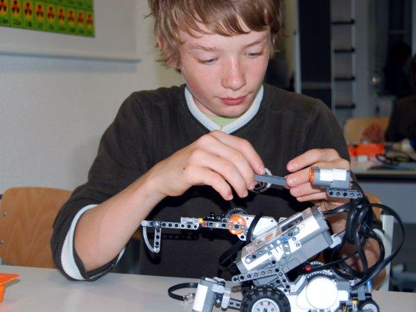 Neugierig am Wochenende - Lego-Roboter, KITZ.do