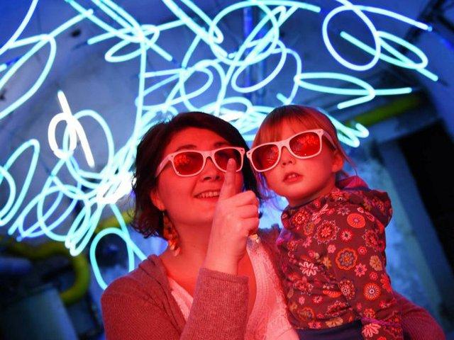 Familienführung Zentrum für internationale Lichtkunst