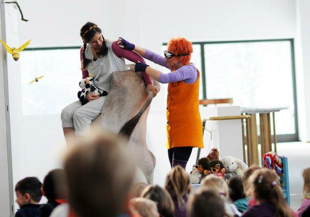 Tierischer Karneval Hexe Abenteuer Kleinlaut