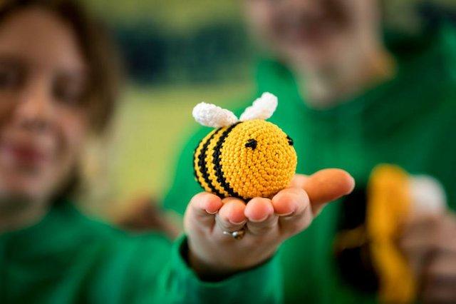 Bienen häkeln für die Artenvielfalt