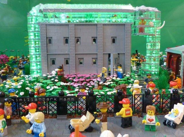 Eine Welt aus bunten Steinen 2.0, Elektrozentrale im Maxipark