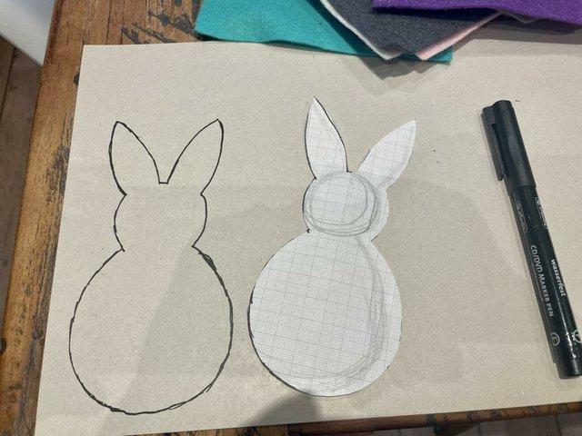 2 Osterhase auf Pappe übertragen