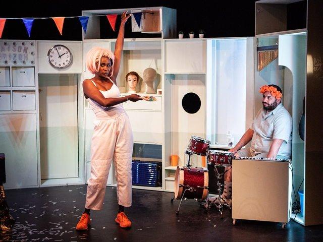 Bintas innere Kammer - Laika Theater - hellwach-Theaterfestival