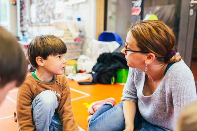Mit Kindern über Krisen sprechen, Haus der kleinen Forscher:innen